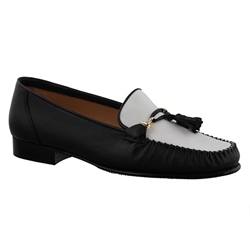 Carl Scarpa Navy/White Slip-On Tassel Loafers - Frida