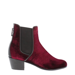 Carl Scarpa Claudia Burgundy Chelsea Ankle Boots