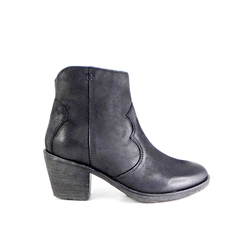 Carl Scarpa Black Mid Heel Western Ankle Boots - Janina