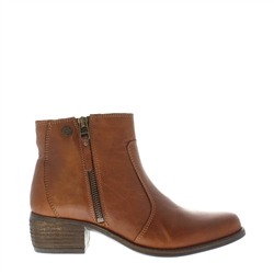 Carl Scarpa Lauren Brandy Low Heel Ankle Boots