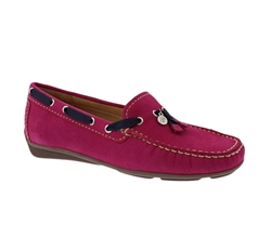 Carl Scarpa Pink Slip-On Tassel Loafers - Faris