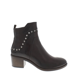 Carl Scarpa Juliet Brown Ankle Boots