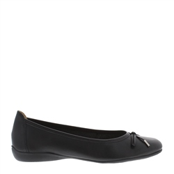 Carl Scarpa Hosanna Black Leather Flats