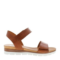 Carl Scarpa Tilly Brandy Sandals