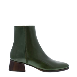 Carl Scarpa Megan Green Leather Ankle Boots