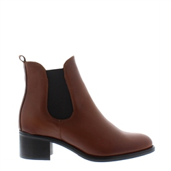 Carl Scarpa Jamila Tan Leather Ankle Boots