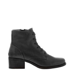 Carl Scarpa Roberta Black Leather Lace-Up ankle Boots